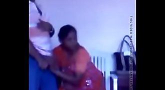Indian maid doing suck off